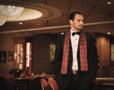 赌场里的时尚男人图片