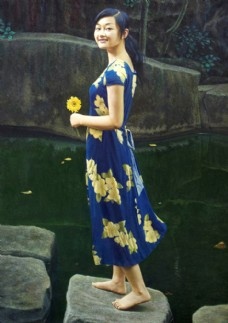 美女油画写生图片