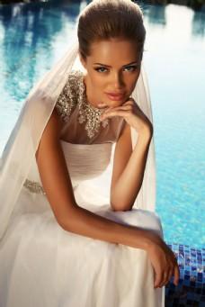 海边婚纱新娘图片