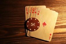 扑克牌与筹码图片