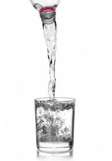 玻璃杯里的水图片