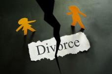 离婚协议与纸张小人图片