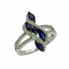 蓝宝石戒指摄影图片