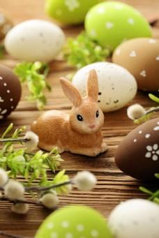 复活节彩蛋与卡通兔子图片