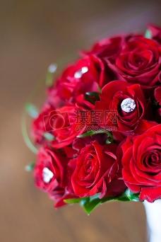 红玫瑰:新娘花束