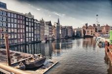 美丽的水上城市图片