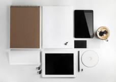 平板电脑与空白VI模板图片
