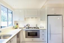 白色厨房设计图片