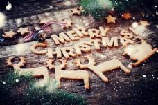 木板上的圣诞节饼干图片
