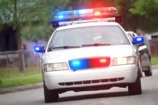 行驶的警车图片