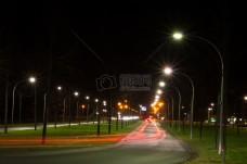 路灯下的路面