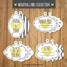 装饰复古婚礼标签与黄色的心