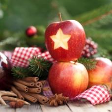 刻着五角星的苹果图片