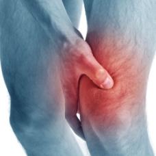 男人膝盖受伤图片