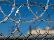 防护栏铁丝图片