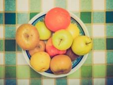 盘子中的水果图片