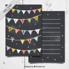 在黑板上用花环风格的生日卡