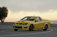 黄色轿车图片