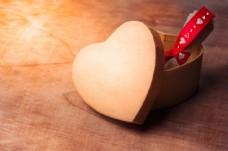 创意爱心盒子图片