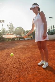 打网球的性感美女图片