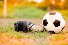 足球与球鞋摄影图片