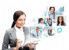 女人与平板电脑图片