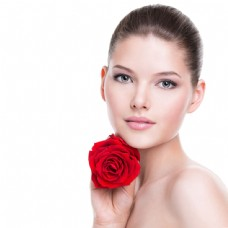 手拿玫瑰的时尚美容模特美女图片