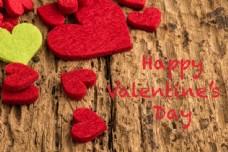 木板上面的红色爱心图片