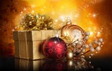 圣诞节挂饰与礼品摄影图片