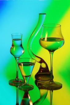 玻璃酒杯图片