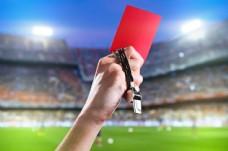 裁判手中拿着的红色卡片图片