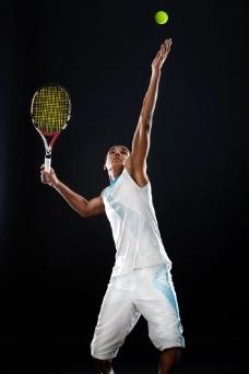 打网球的男孩图片